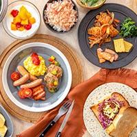 朝から晩まで楽しめる食の空間