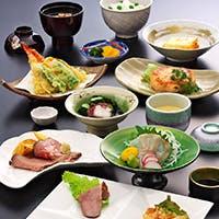 和洋折衷の上品な味わいのコース料理をお楽しみください