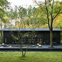 アマン京都の森の庭にひっそりと佇むオールディダイニング