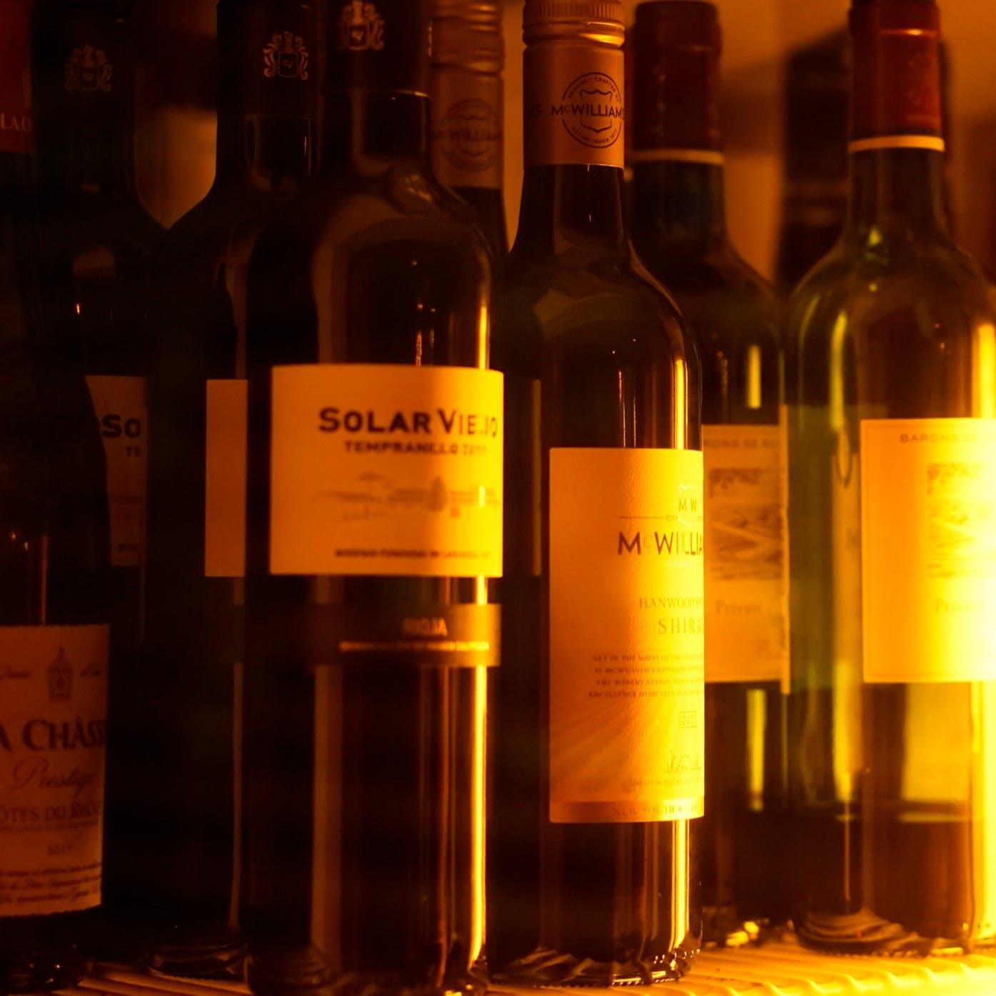 種類豊富なワインをリーズナブルにご提供