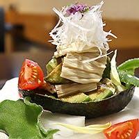 新鮮な野菜で作る、身体と心に優しい和食料理を