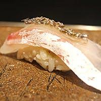 新鮮な食材で織り成す料理、鮨を心ゆくまで