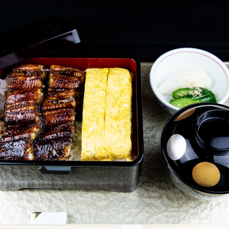 【大黄金鰻重】名古屋コーチン卵焼き、香の物、お吸い物付き+乾杯ドリンク(記念日)