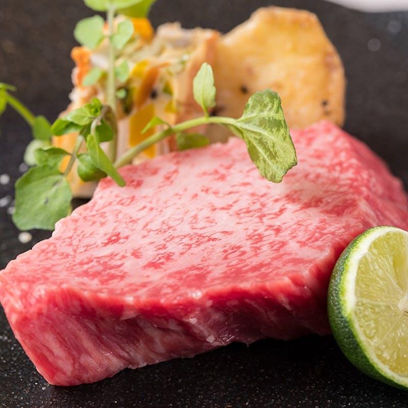 【吉祥吉コース 梅】神戸牛の寿司、特選赤身ステーキ、レアステーキサラダなど全8品+1ドリンク