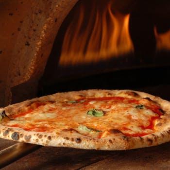 【Bコース】ピッツァ、パスタ、肉料理など全9品+1ドリンク