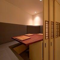 落ち着いた雰囲気の半個室