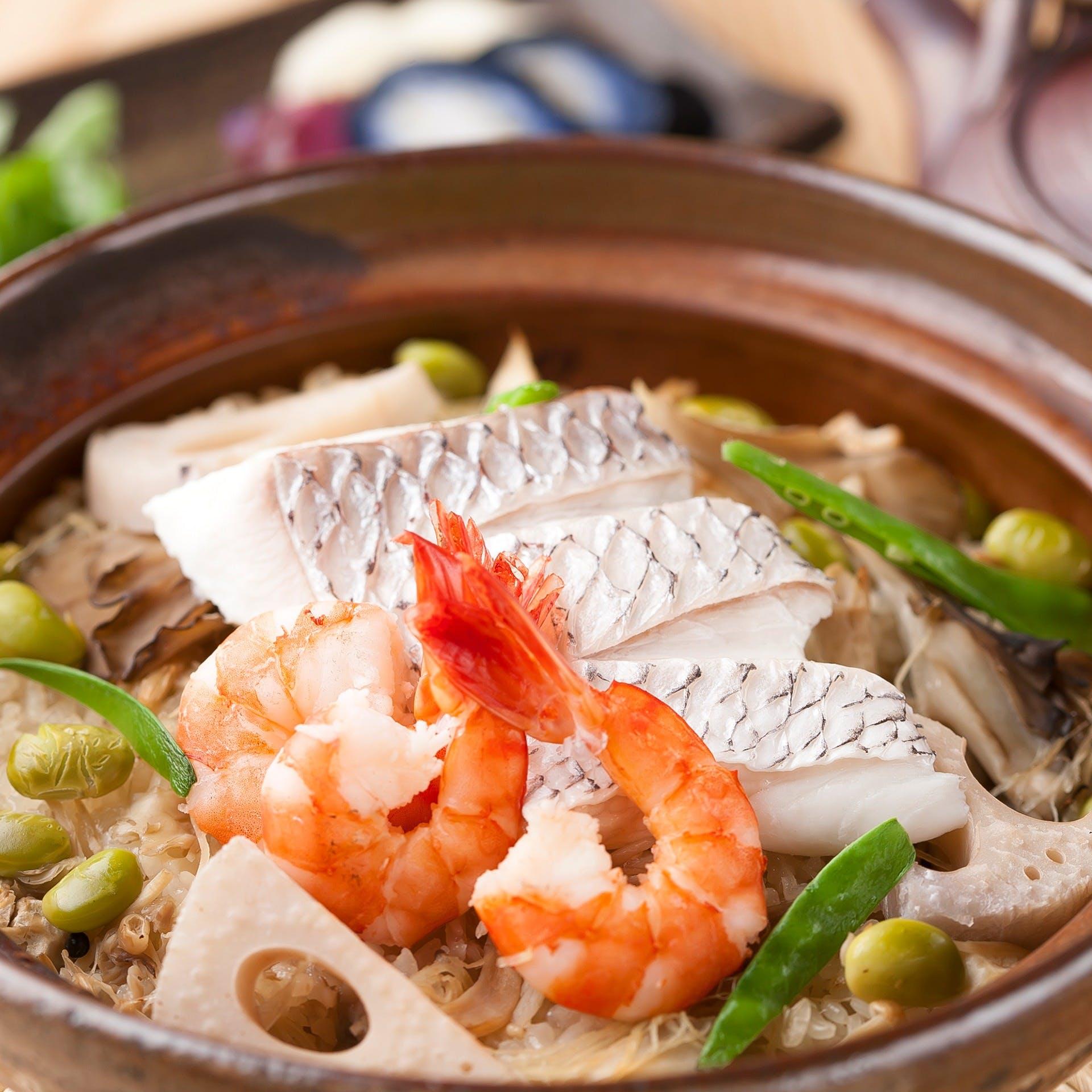 新鮮で旬の魚介、食材で手掛けるお料理を満喫