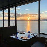 琵琶湖側に沈む夕日を眺めながら