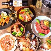 自社農園栽培の旬野菜を取り入れた異国情緒溢れる料理と、厳選したワインなどドリンクをリーズナブルに提供。