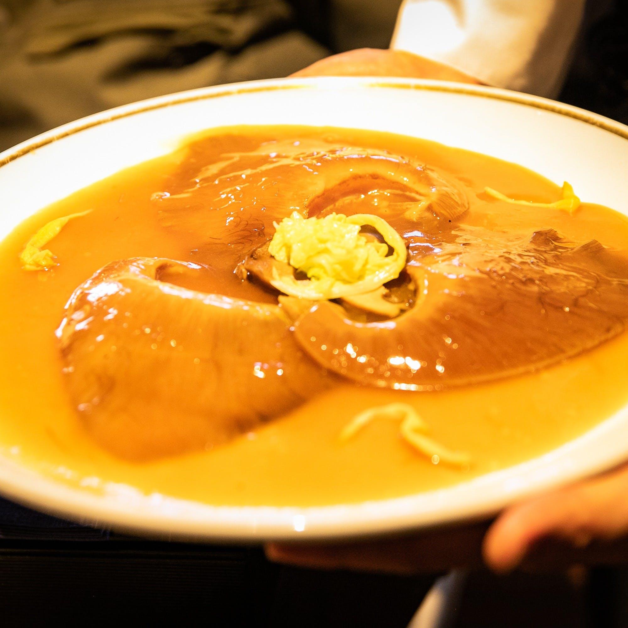 """""""南の風""""をふんだんに取り入れ、中国とベトナムの融和するアジア料理の劇的な先例を築きます"""