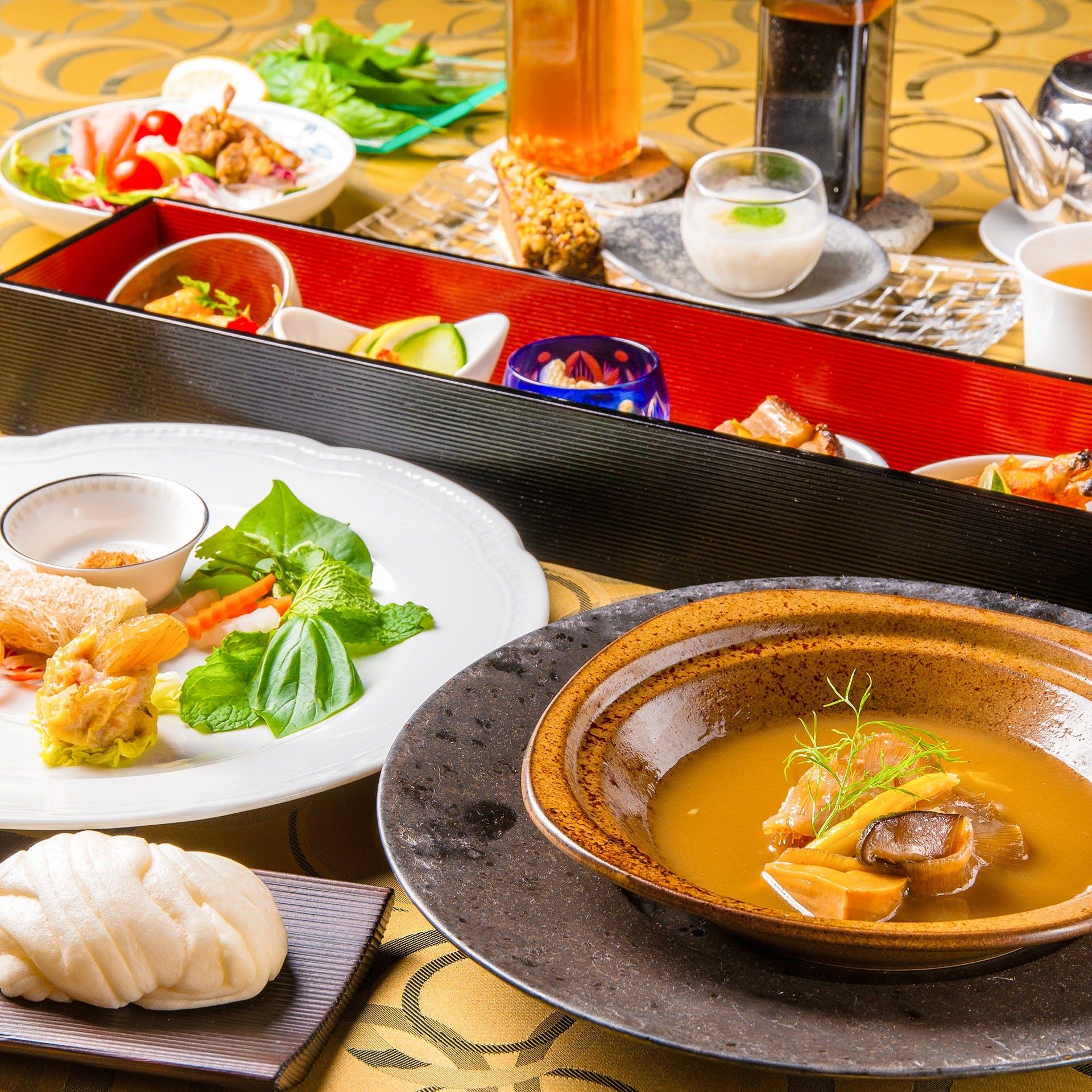 『中華×ベトナム料理』の枠を超える縦横無尽の素材選びと味付け