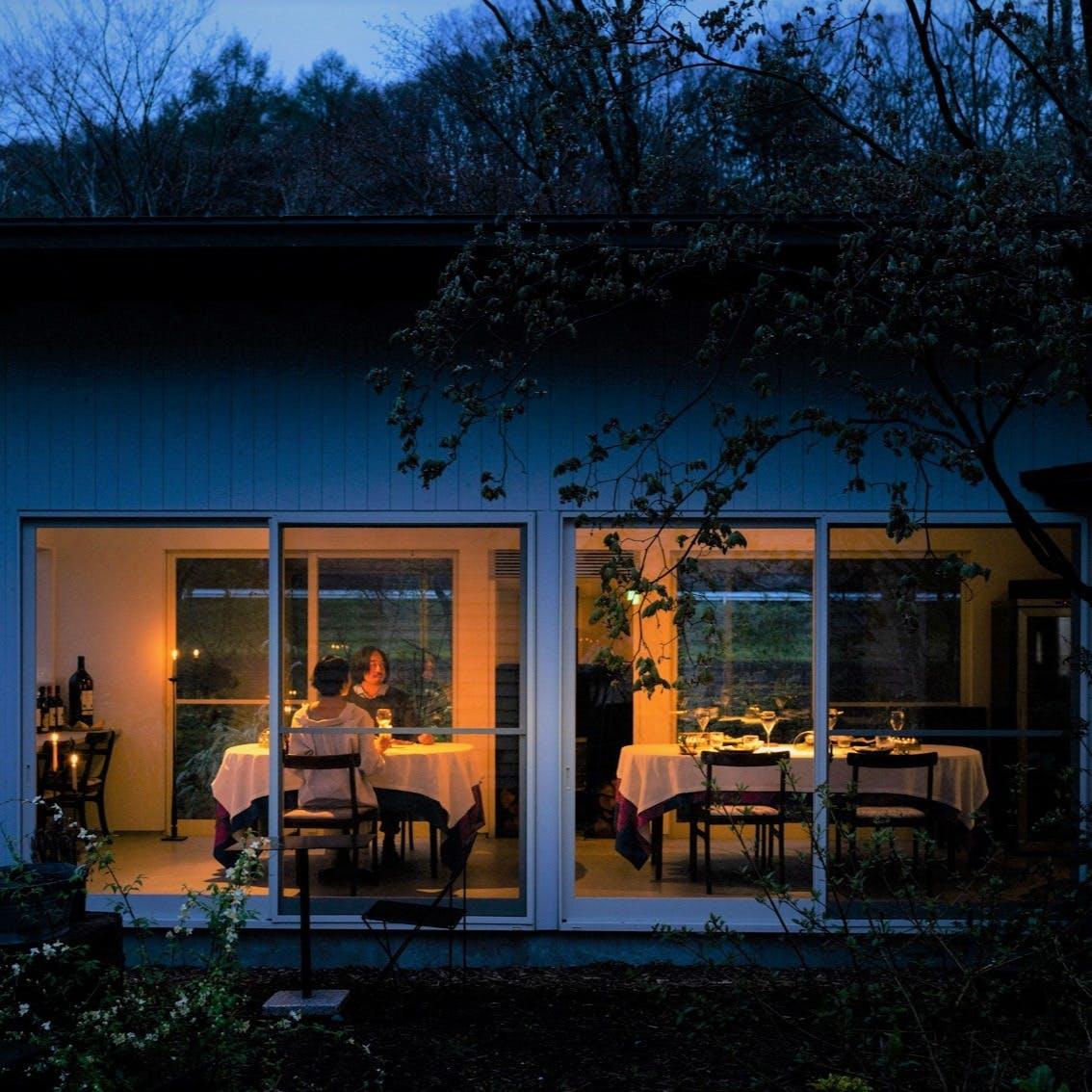 軽井沢の里山にひっそりと佇む一軒家