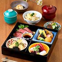 地元食材をふんだんに使った日本料理