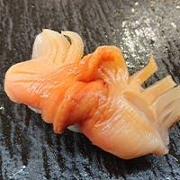 全国から仕入れる旬の魚介類