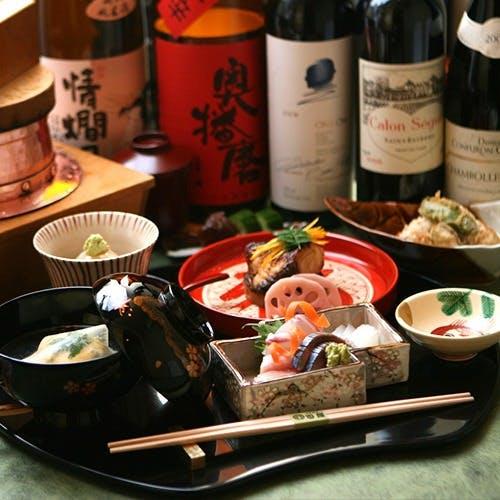 豊富なワインリストと日本酒
