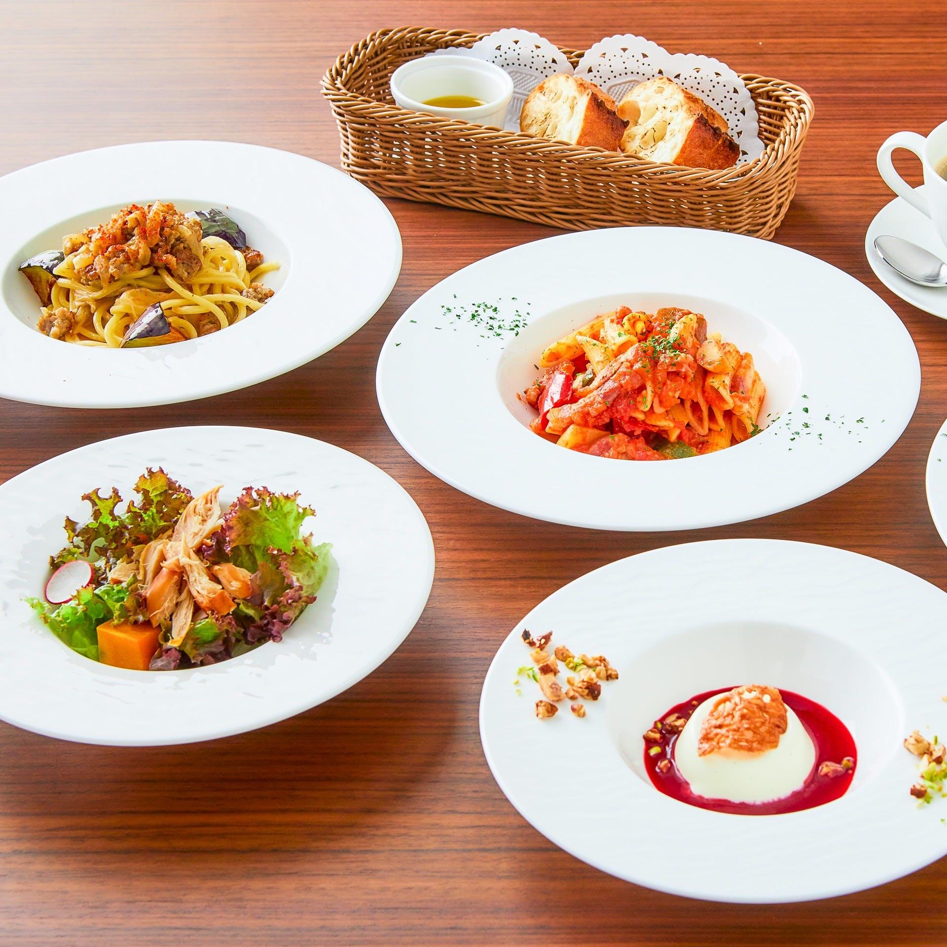 西洋料理をベースに京料理のエッセンスを取り入れたビストロス料理の数々