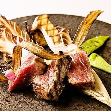 神戸牛のステーキと美味しいワインを