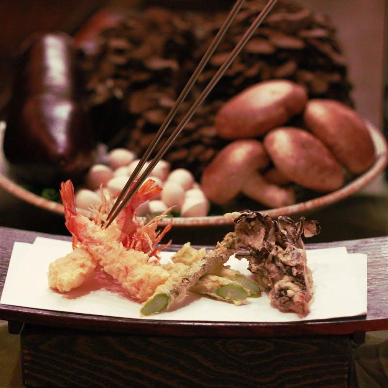 【天ぷら魚新・夜の伝統コース】天ぷら10品
