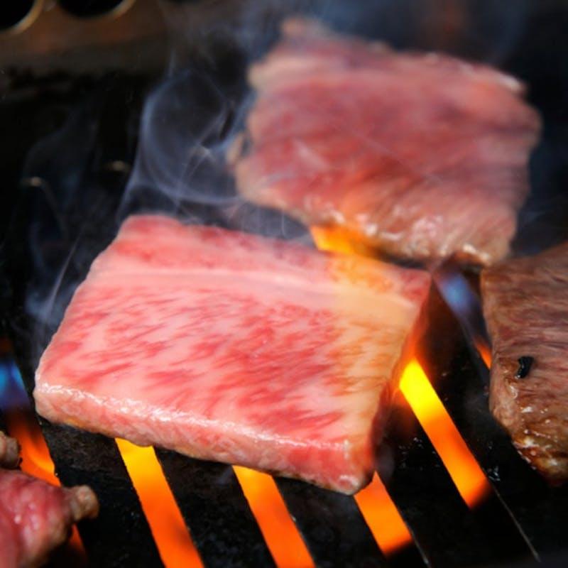【焼肉セット】肉、冷麺、ごはん、キムチ(三郎・タン、赤身、サーロイン、シャトーブリアン)