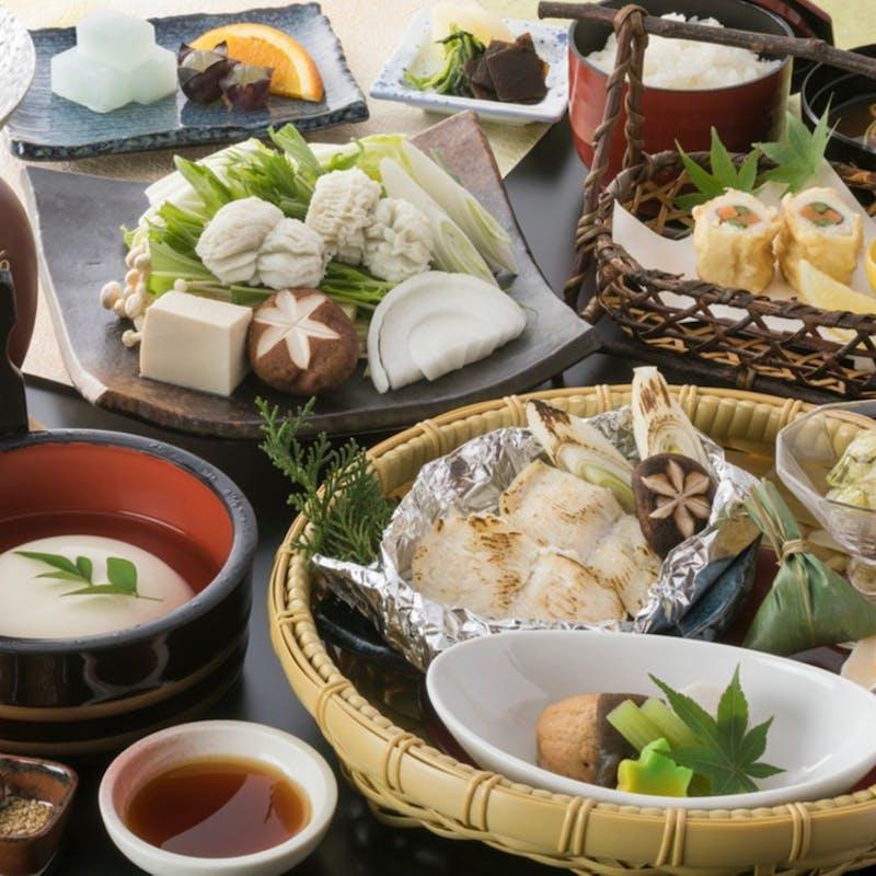 【華かご御膳】炊き合わせ、お造り、若鶏の豆乳小鉢など(~楽~)