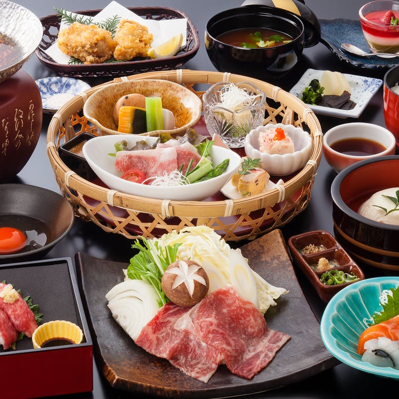 【神戸牛御膳】神戸牛炙り寿司、すき焼き小鍋、ふぐ唐揚げなど全8品
