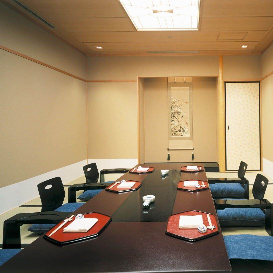 慶事・法事・ご接待に相応しい上質な個室