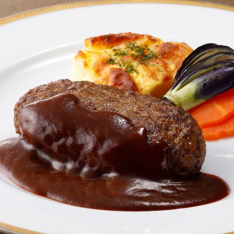 【神戸牛ハンバーグセット】スープ、サラダ、パンまたはライス、コーヒーまたは紅茶付