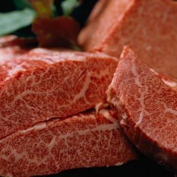 【炭火焼ランチ】+最とび飛騨牛100g、10種超えの季節サラダなど(平日限定)