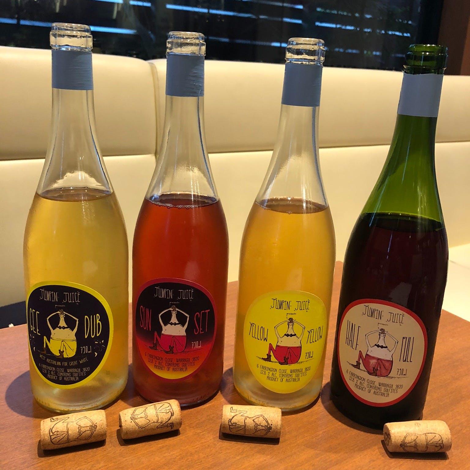 約30種の自然派ワインをご用意