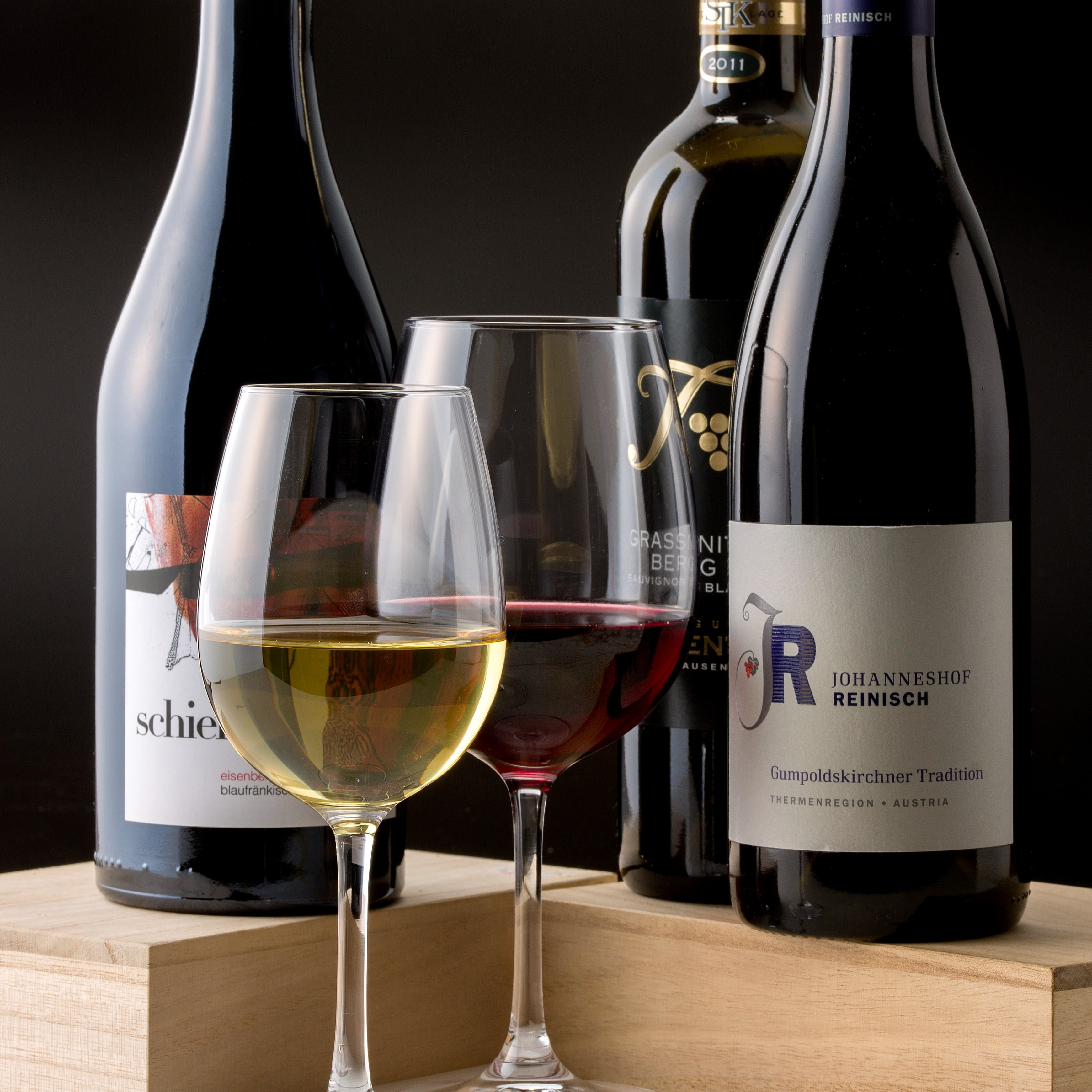 豊富に取りそろえる厳選ワイン