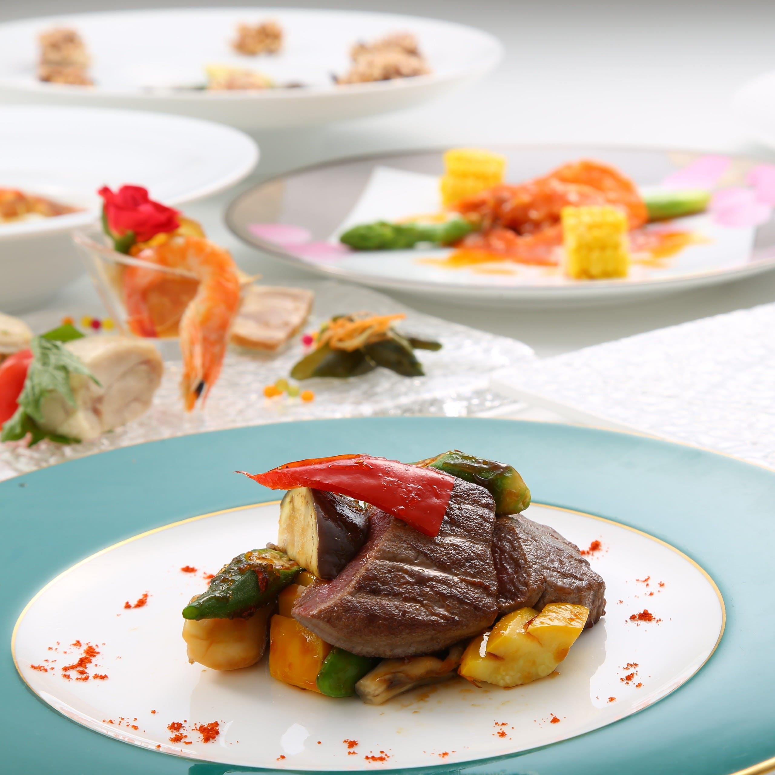 ホテル高層階ならではの夜景と絶品中国料理を堪能