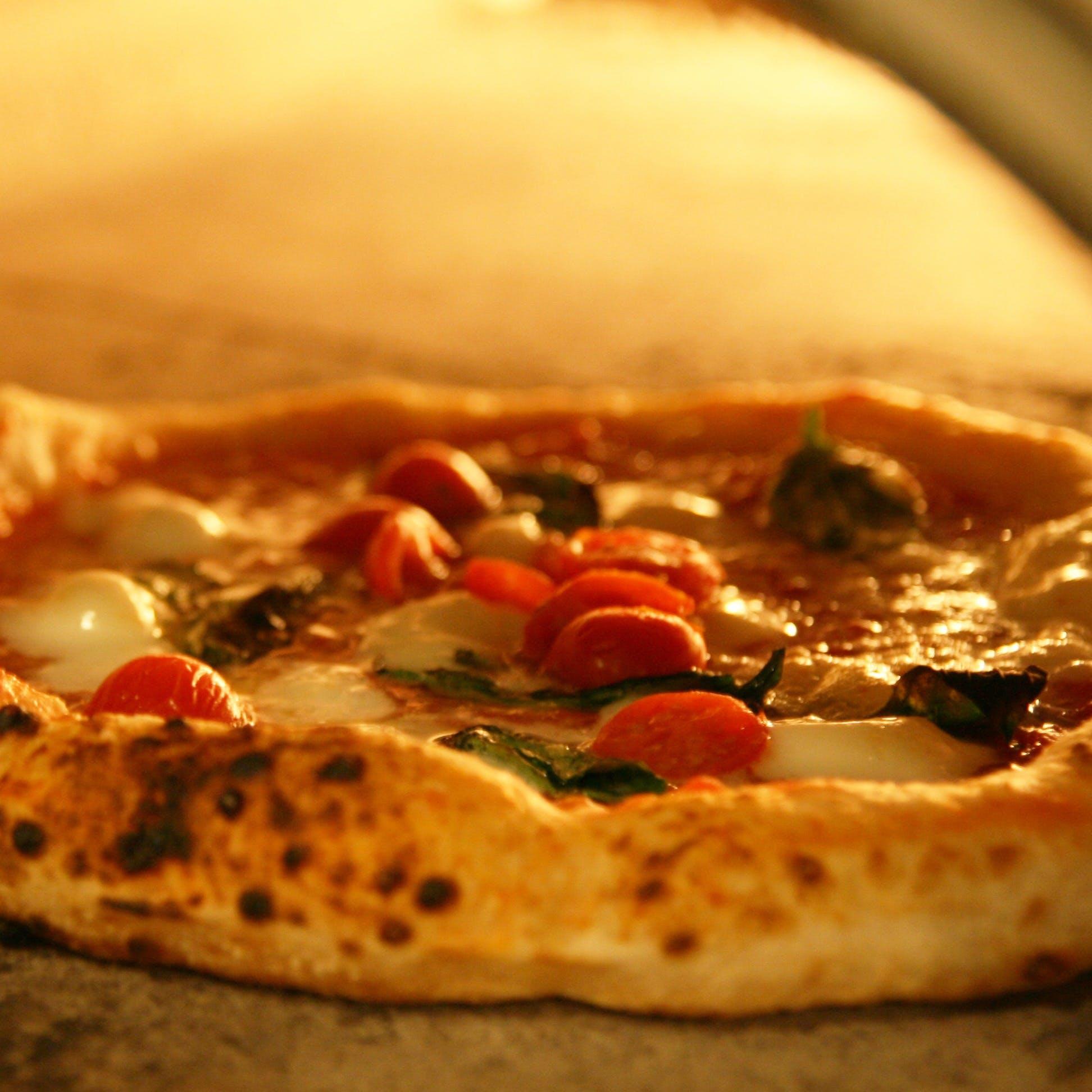 「伝統のナポリ」と「軽やかなローマ」気軽に楽しめるイタリアの味