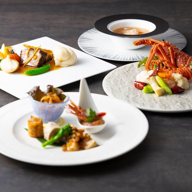 【煌コース】北京ダック、フカヒレスープ、海鮮料理、肉料理など全7品+スープを(フカヒレ姿煮)へ変更