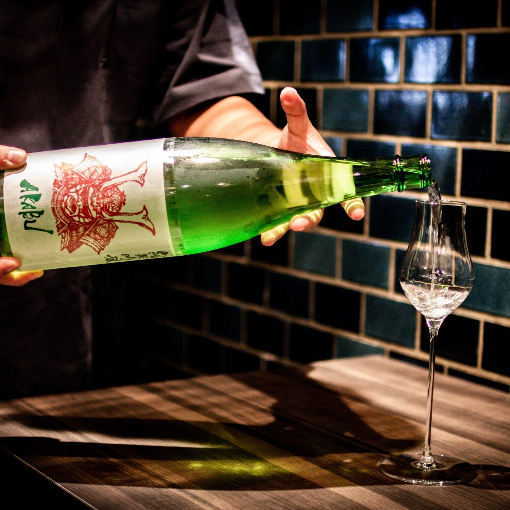 日本酒を極めたご酒人が厳選するお酒の数々