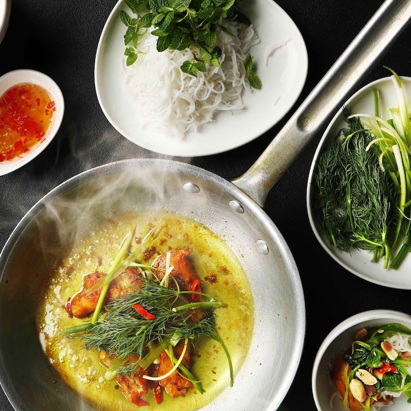【期間限定】120分オーダービュッフェ 本格ベトナム料理食べ放題+シャンパン付き飲み放題
