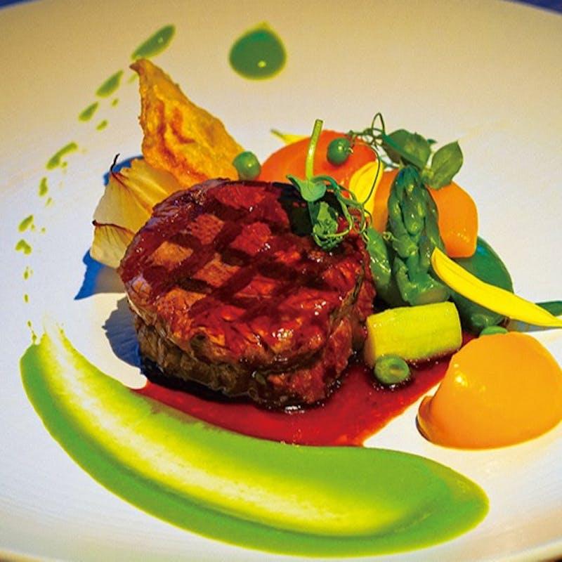 北海道産牛肉のグリエ+サイドブッフェ+生ビールなど選べる1ドリンク付