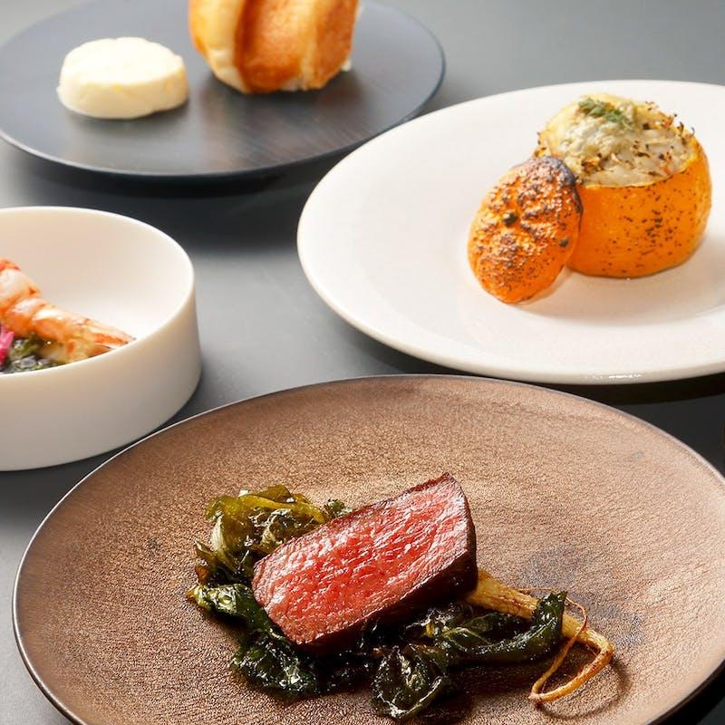 黒毛和牛肉、特選魚介類、新鮮野菜など満載の全8品コース