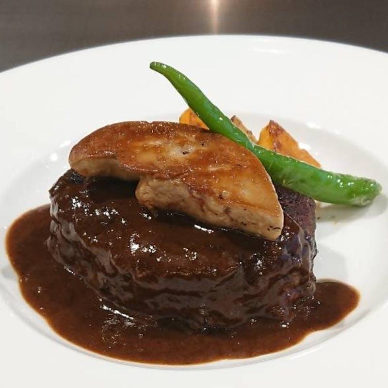 【A5黒毛和牛のロッシーニ風ハンバーグランチ】サラダ、ご飯、味噌汁、香の物、食後のシャーベット付