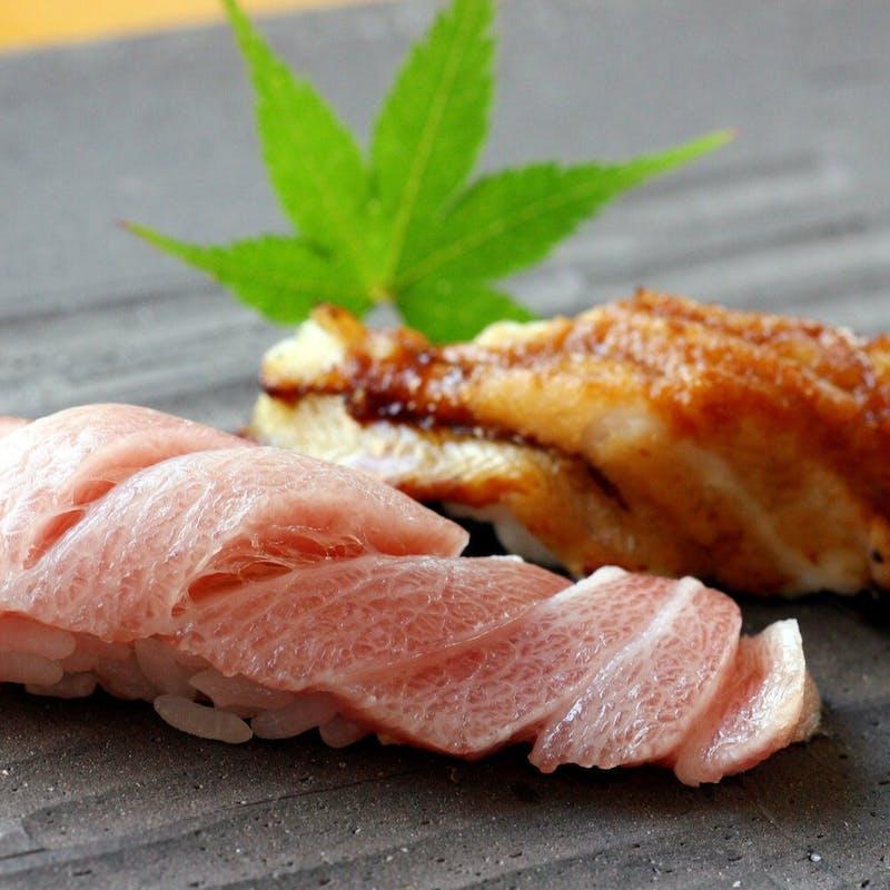 【ミニ会席 桜】先付、季節の一品、とろ等の寿し、デザートなど(個室確約・リクエスト予約)