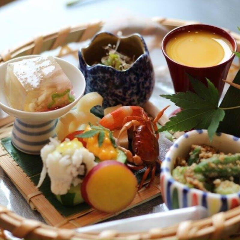 【寿し懐石】先付、前菜盛合せ、特上にぎりなど(個室確約・リクエスト予約)