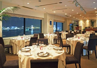 オーシャンビューレストラン Bright Coast /ホテルアジュール竹芝