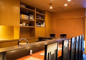 東京日本橋・三越前駅徒歩1分の日本橋さくら井では、寿司をはじめ旬の食材を使用した本格的日本料理をご用意しております。