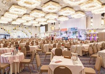 どこよりも粋な街に、浅草ビューホテルがあります。宴会場で開催する四季折々のイベントをお楽しみください。