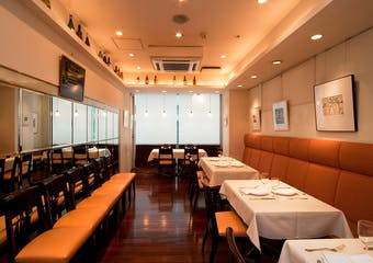 千疋屋が楽しめる京橋の洋食レストラン。洋食とフルーツたっぷりのデザート、シェフこだわりの料理をお楽しみ下さい。