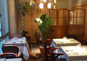 恵比寿駅近くにある洒落た一軒家フレンチ。トラディショナルなフランス料理を気軽にお愉しみください。