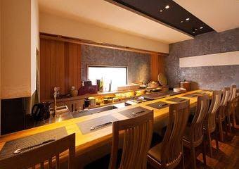 雲丹と海老の専門店 魚漁魚 西中洲 image