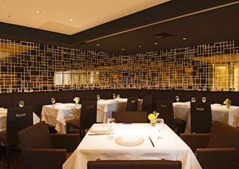 銀座アスターが手掛ける魅惑の中国宮廷料理「日本橋紫苑(しおん)」。伝統の技を活かしたモダンチャイニーズをご提供いたします。